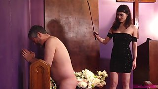 Spanking gives a new level of sexual pleasure for Audrey Noir