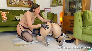 Big ass matures are having fun in a lezzie home play