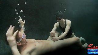 Crazy underwater sex with Asian Assain babe