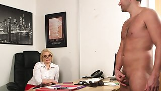 Office blonde wants to attain the highest orgasms with the boss's penis