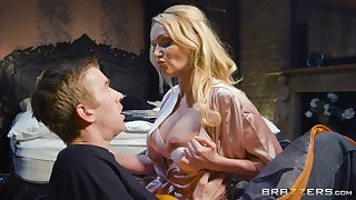 Cultured MILF Amber Jayne knows how to make a young man smile