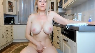 Swear at - Blonde mature fro strapping jugs in chum around with annoy kitchen